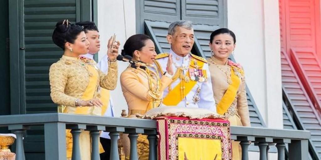 El infierno de las concubinas del Rey de Tailandia: drogadas y sumisas para dar placer sexual