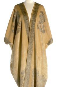 Garment known as Aba of cream velvet