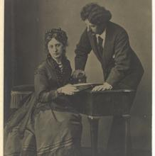 Mariano Fortuny with his mother, Cecilia de Madrazo