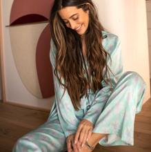One of the pajamas from the Bliss collection that has been the best seller of THE-ARE (€ 39.95 and € 29.95)