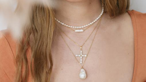 Pearl jewelery from Alhaja.