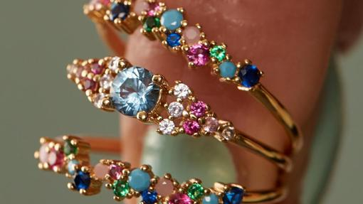 Rings with colored stones from Apodemia