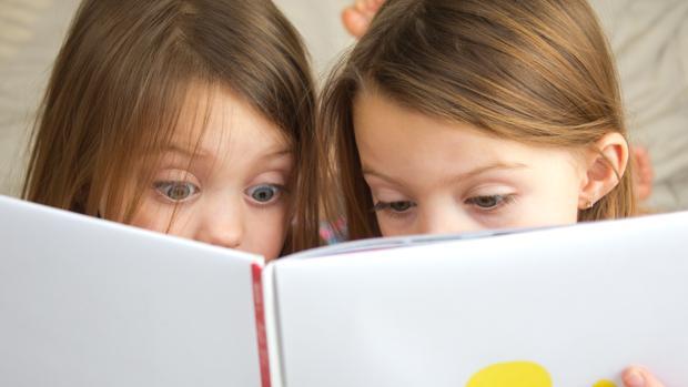 Volver a conectar con el libro tradicional es uno de los retos de esta iniciativa de «micuento.com»