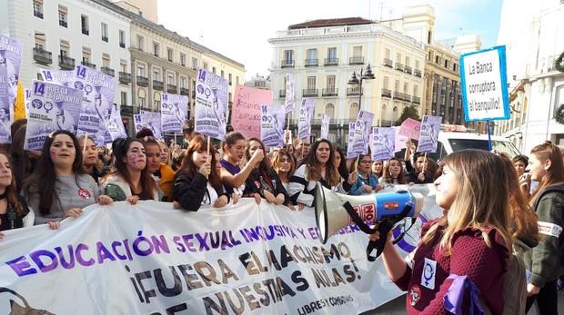 Manifestantes en la Puerta del Sol