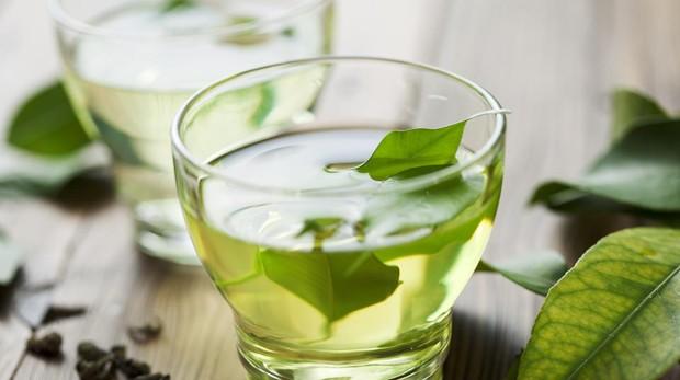 El té verde no es tan bueno: tu salud peligra si abusas de él
