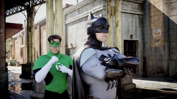Batman y Linterna Verde, en el Parque Warner.