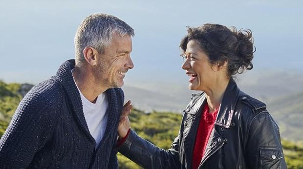 Sentido del humor y buena conversación son las claves en la búsqueda de pareja durante esta etapa de la vida