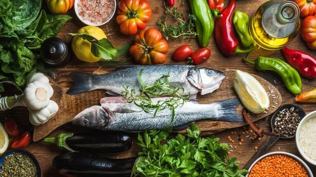 La dieta atlántica prima productos frescos, localesy de temporada