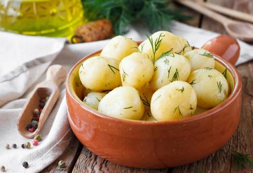 La patata cocida, ideal para combinar con las verduras