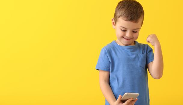 Cuál es la mejor edad para darle a un niño un móvil? 10 consejos a tener en  cuenta