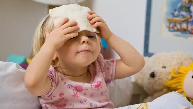 como bajar la fiebre a mi bebe de 8 meses