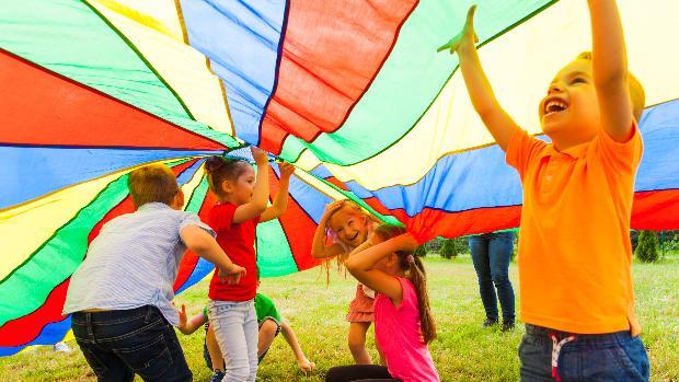 Colegios abiertos y campamentos: el plan para la conciliación que  capitanearán los ayuntamientos