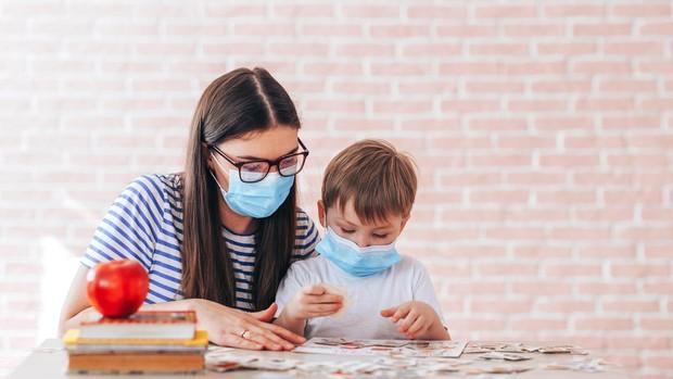 Estos son los efectos que el uso de las mascarillas por parte de los  docentes produce en los niños de infantil