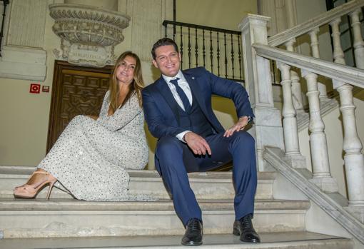 Manu Tenorio está casado con la periodista Silvia Casas