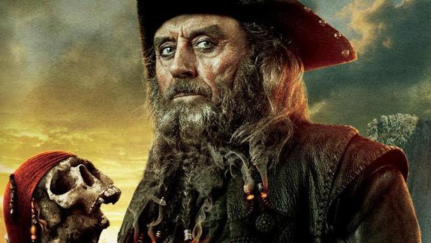 El viaje al mal del verdadero «Barbanegra»: de lacayo de la «pérfida» Inglaterra a «apestoso» pirata