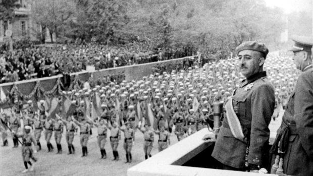 Franco, en el denominado desfile de la victoria celebrado en Madrid el 19 de mayo de 1939