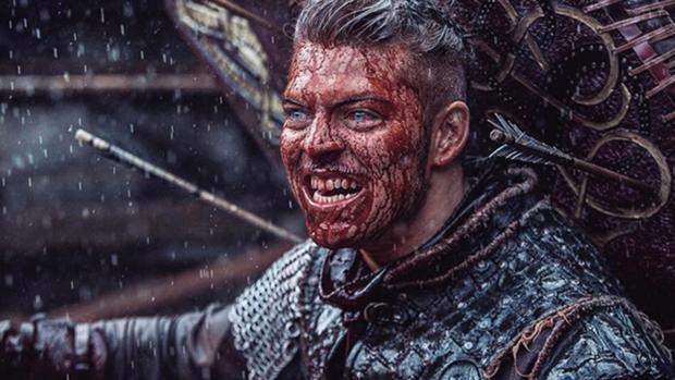 Ivar Sinhuesos en la serie «Vikings»