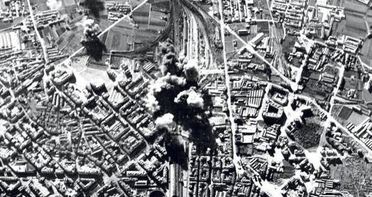 Bombardeo de la Estación del Norte de Valencia por aviones italianos en 1937