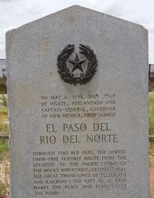 Monumento conmemorativo del paso de Juan de Oñate en el Río Norte
