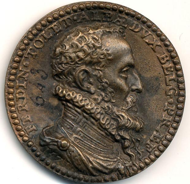 Anverso de la medalla en bronce con la efigie y coraza del Gran Alba portando el Toisón de Oro