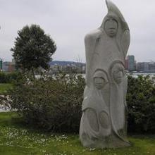 Statue in honor of Isabel Zendal