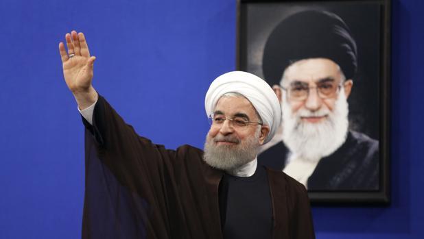 El reelegido presidente iraní, Hasán Rohani, tras pronunciar un discuraso televisado