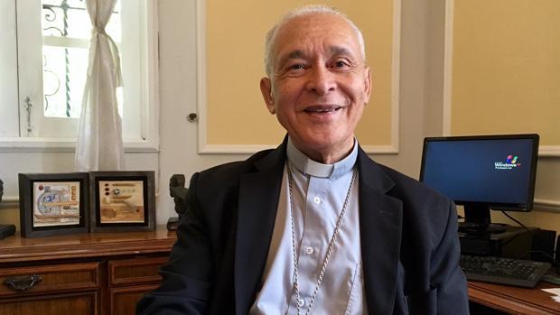 Monseñor Diego Padrón, durante la entrevista en su despacho de la sede de la Conferencia Episcopal, en Caracas