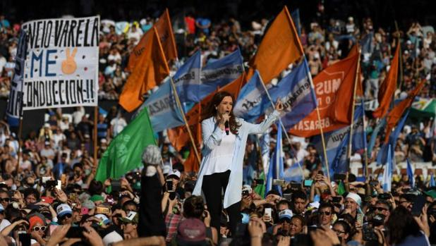 Cristina Fernández, durante un mitin en Avellanedad (Buenos Aires), el pasado 16 de octubre