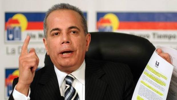 El ex gobernador del estado de Zulia Manuel Rosales