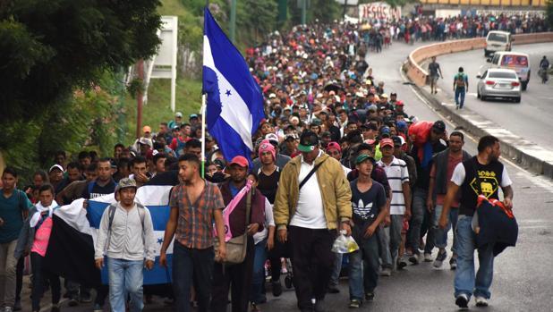 La caravana de centroamericanos hacia Estados Unidos, a su paso por Chiquimula, Guatemala