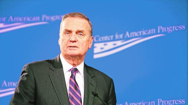 El exjefe de la OTAN general James L. Jones