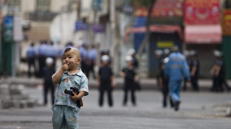 Gobierno chino separa a niños musulmanes de sus padres