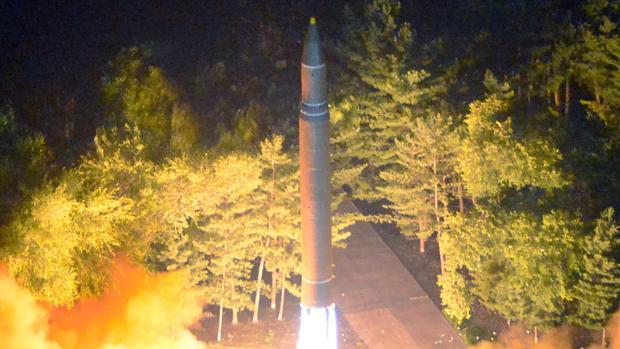 Corea del Norte lanza dos misiles de corto alcance sobre el mar de Japón para presionar a EE.UU. y el Sur