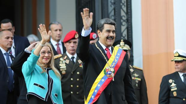 Maduro suspende el diálogo con la oposición por el «apoyo» de Guaidó al bloqueo de EE.UU.