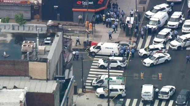La intervención de los SWAT evita la muerte de varios policías en un tiroteo en Filadelfia (EE.UU.)