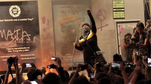 Disturbios en Ciudad de México tras una protesta contra los abusos sexuales cometidos por la Policía