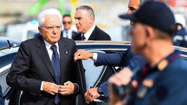 El Partido Democrático exige un giro migratorio al M5E para gobernar juntos en Italia