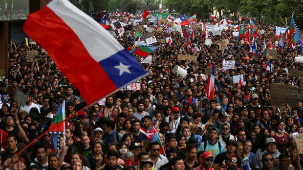 Más de un millón de personas se manifiestan en Chile contra el Gobierno de Piñera