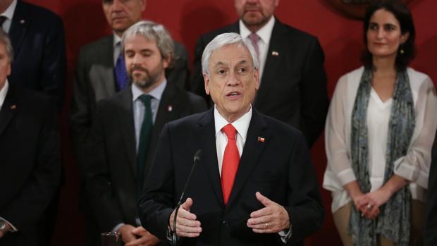 Piñera cambia a ocho de sus ministros, pero solo tres son caras nuevas en el Gobierno