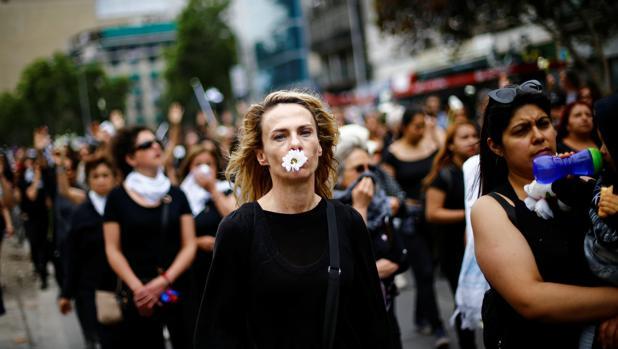 Calma relativa en Chile tras la remodelación del Gobierno de Piñera
