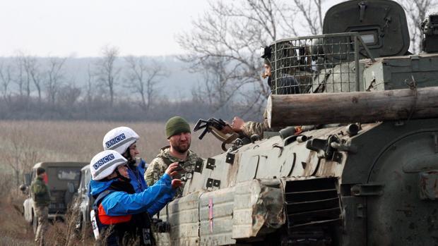 Continúa la separación de fuerzas en el este de Ucrania para acelerar la aplicación de los acuerdos de paz de Minsk