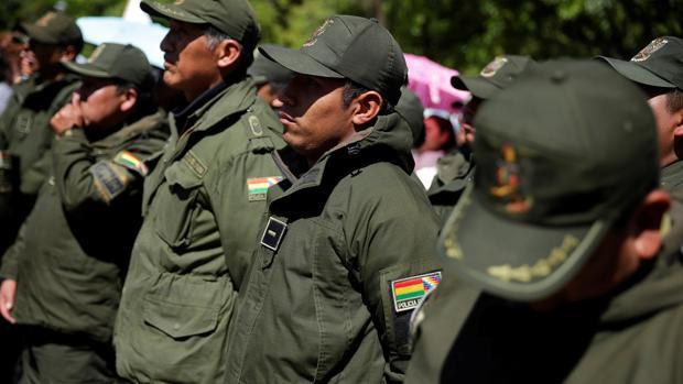 La presidenta interina de Bolivia da inmunidad al Ejército ante las protestas