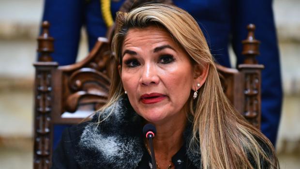 La presidenta interina de Bolivia prevé convocar este miércoles nuevas elecciones