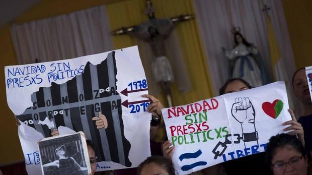 Los obispos piden a Ortega que proteja las iglesias y «retire a las tropas que las asedian»