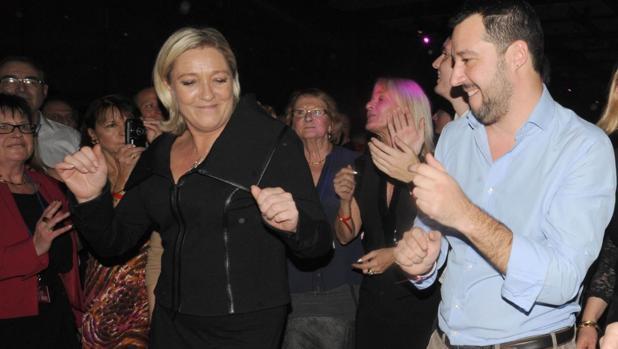 Nace en Italia el fenómeno de «las sardinas», contra el populismo de Salvini