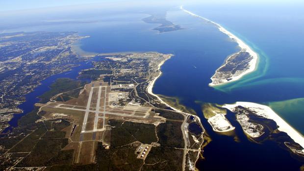 Al menos cuatro muertos y siete heridos por un tiroteo en una base naval de Florida