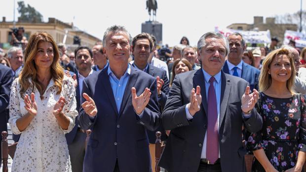 La Iglesia tiende puentes entre Macri y Fernández para una transición ordenada