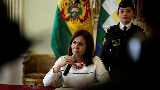 Robles comparecerá en el Congreso por el escándalo diplomático en Bolivia