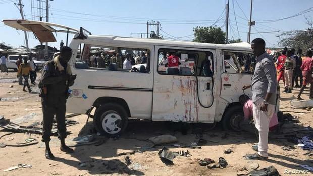 Al menos 76 muertos y 70 heridos por una explosión en Somalia