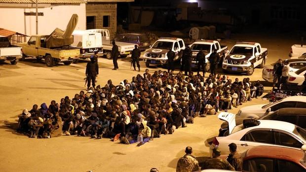 Importantes sumas de dinero de la UE para Libia terminan en manos de las mafias de la inmigración